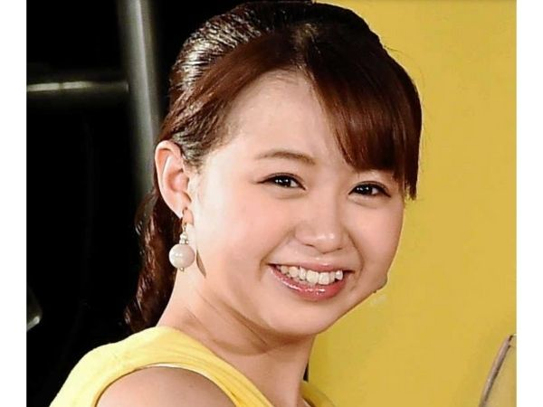 「Juice=Juice」(ジュースジュース)の高木紗友希の笑顔の画像